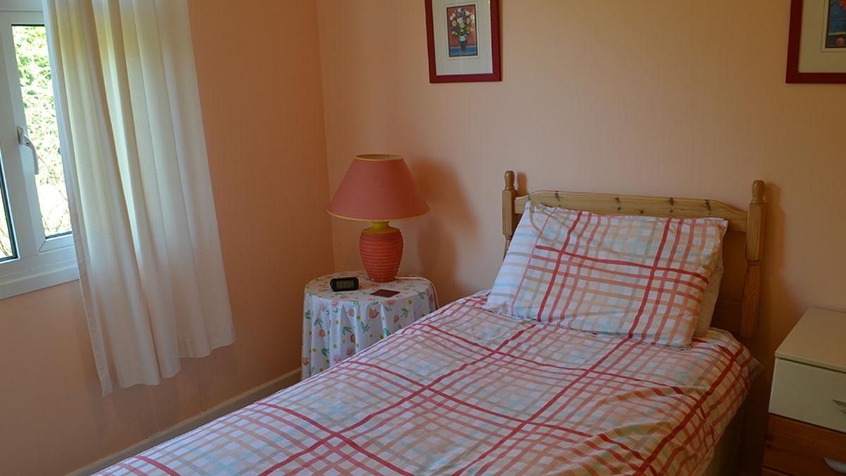 Rowan single bedroom